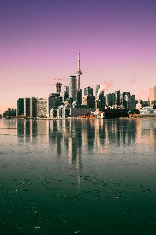 Lennot Torontoon